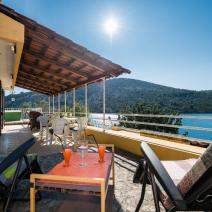Seafront villa in peaceful fishermen's village of Vinisce, developing area between Trogir and Rogoznica - pic 2