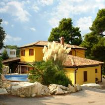 The new villa with a swimming pool and overlooking the sea, Umag - pic 1
