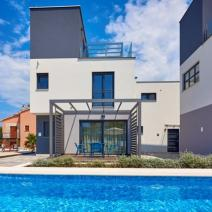 Fantastic new modern villa with pool just 250-300 meters from the sea in Pula suburb - pic 9