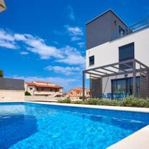 Fantastic new modern villa with pool just 250-300 meters from the sea in Pula suburb - pic 4