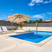 Fantastic new modern villa with pool just 250-300 meters from the sea in Pula suburb - pic 6