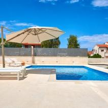 Fantastic new modern villa with pool just 250-300 meters from the sea in Pula suburb - pic 7