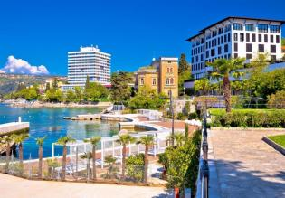 Waterfront hotel of cca 110 rooms for sale in Opatija