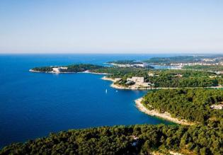 Seafront building land 607 m2, Pula