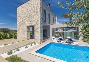 Stylish new villa in Lovrecica area of Umag region